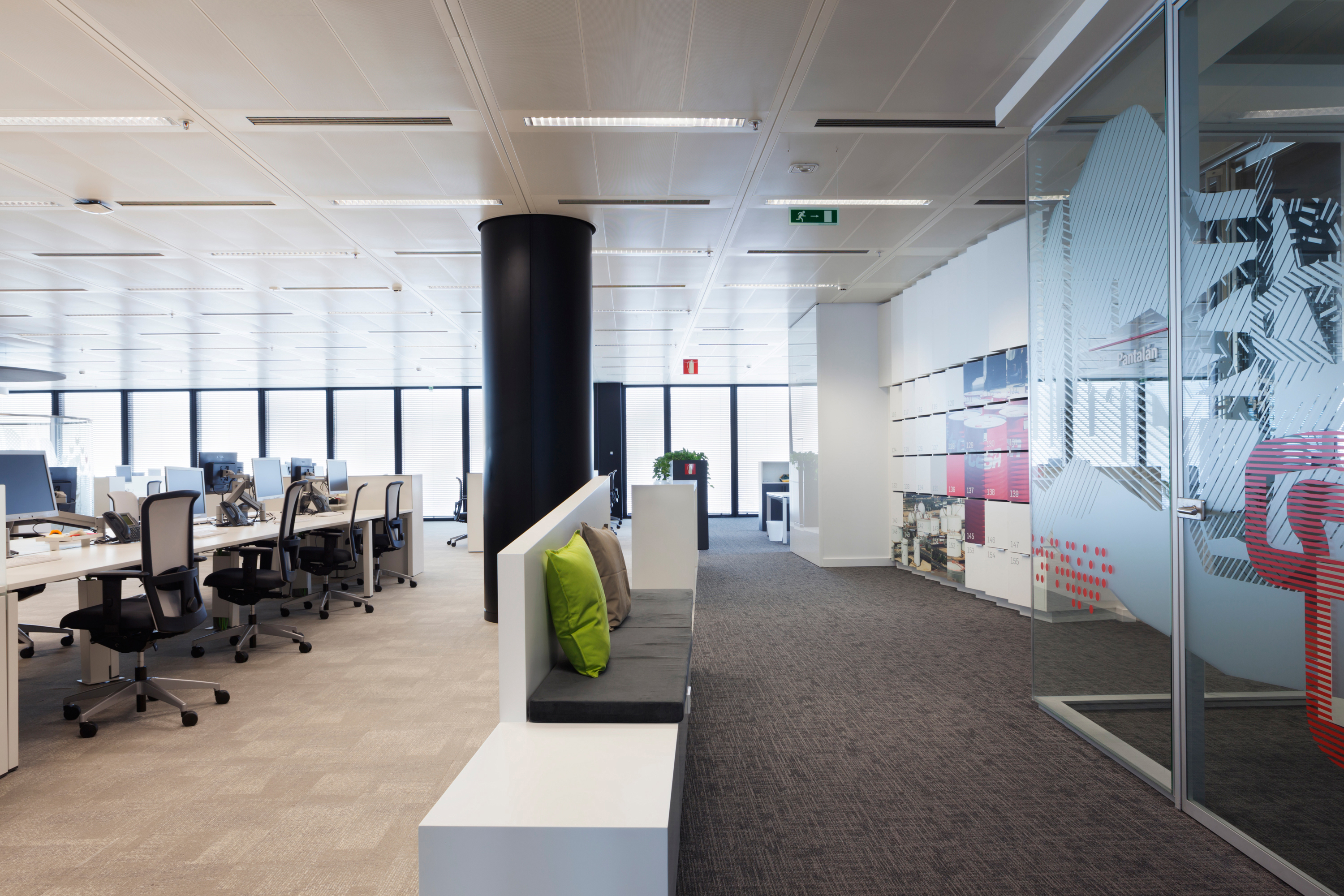 Fit out diadec for Oficinas telefonica madrid